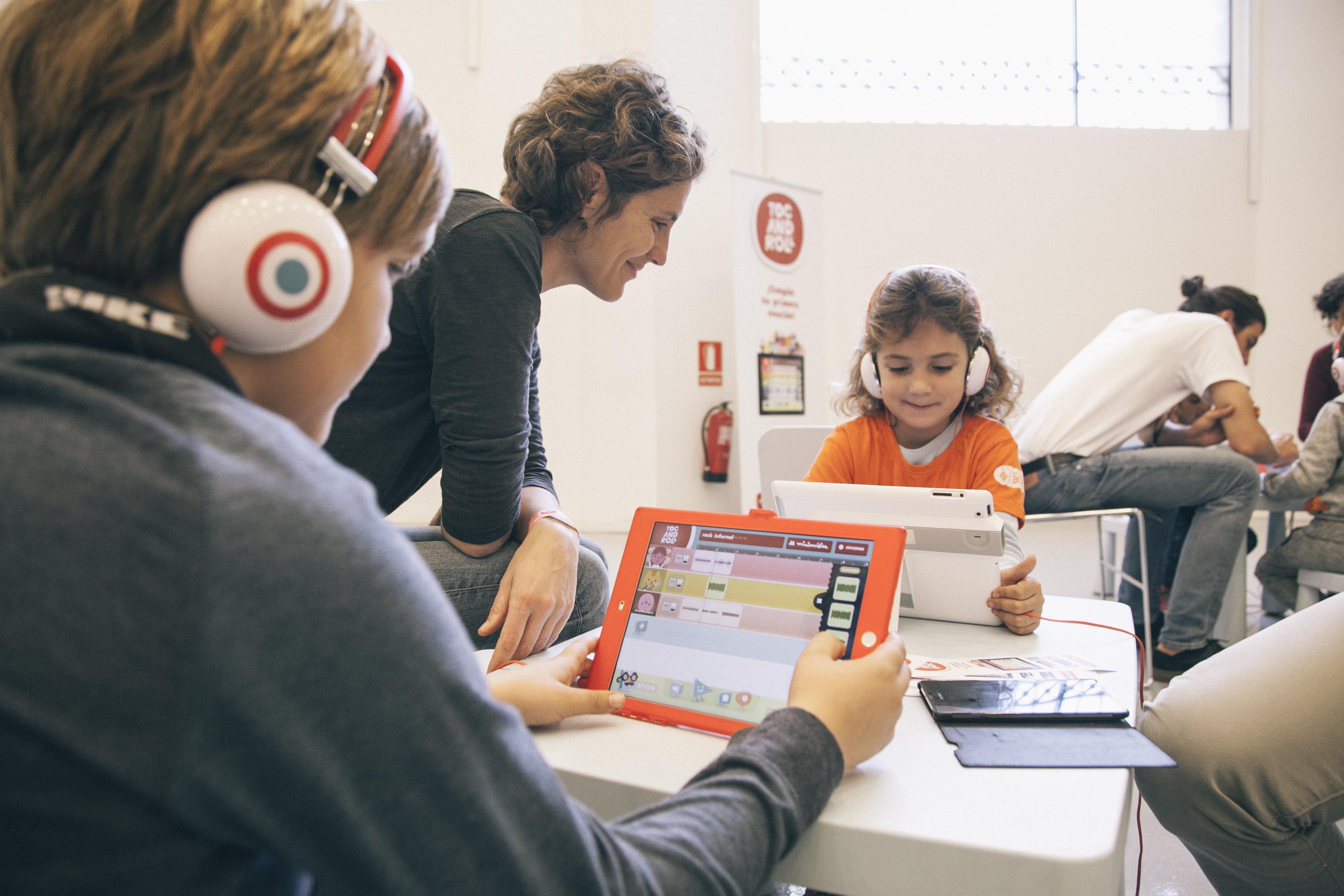 C.C ARTURO SORIA_ Creando y desarrollando actividades de ocio familiar del siglo 21…